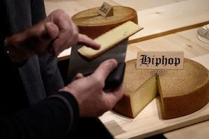 D'après cette étude, le fromage soumis au hip hop se révèle particulièrement fruité tant en termes d'odeur que de goût.