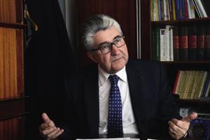 Jean-Luc Delmas est ancien président de l'Académie de pharmacie