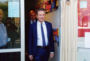 Présidentielle: Nicolas Dupont-Aignan hésite à soutenir le Front national