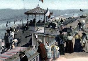 La plage de Cabourg vers 1900.