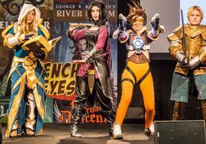 Un cosplay de groupe pour le jeux <i>Overwatch </i>de Blizzard. Véritable phénomène, les fans ou curieux pourront se procurer, dès le 26 Octobre 2017, un livre dédié sur le sujet aux éditions Mana Books.