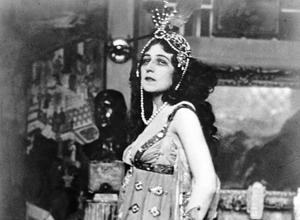 La danseuse Ida Rubinstein vers 1910.