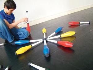 Le Carreau du Temple (IIIe) propose quatrejours d'initiationau jonglage.