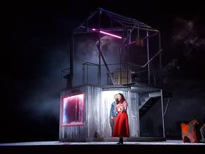 Sandrine Buendia interprète Mimi.
