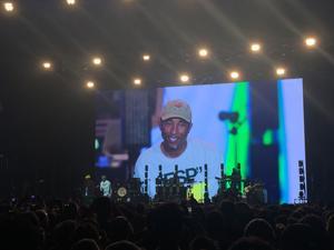 Pharrell Williams et Shay Haley sur la scène du Paris Summer Jam.