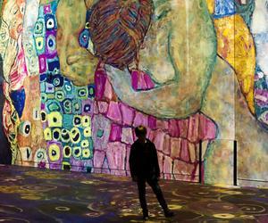 La rétrospective de Gustav Klimt à l'Atelier des Lumières (XIe).
