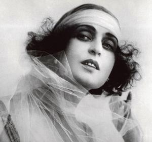 Pina Menichelli dans «Tigresse royale» de Giovanni Pastrone, 1916.
