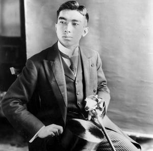 Le futur empereur du Japon à Paris en 1921.