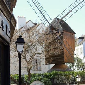 Le Moulin de la Galette à Montmartre.