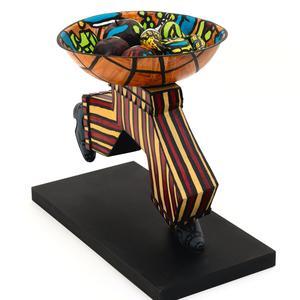 Robert Combas, «Arc de triomphe <br/> coupe de fruits», <br/> céramique de 1995.