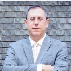 Barry Lynn milite pour le démantèlement des géants du web