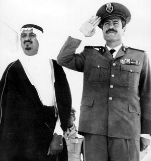 Le général syrien Moustapha Tlass est le ministre de la Défense en 1973 lors de la guerre contre Israël.