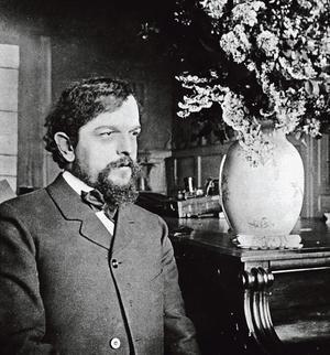 <b>Claude Debussy.</b> Toute la saison musicale se met en quatre pour célébrer les 100 ans de la mort du compositeur. Une intégrale, des conférences, des concerts et un nouveau <i>Pelléas et Mélisande</i>.