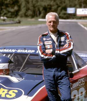 Paul Newman, sur le circuit Lime Rock Park en 1987.