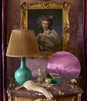 Brosse BlessBeauty, en bois et cheveux naturels, Boutique À Rebours. Miroir Looking for Dorian, Maison Dada chez Silvera.