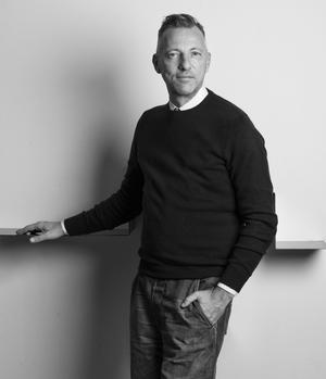 Repenser sacs et boîtes <br/>a été le premier chantier <br/>d'Olivier Saillard <br/>à son arrivée comme directeur artistique de J. M. Weston.