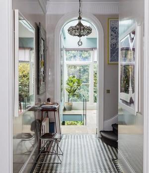 Christine d'Ornano vit dans une maison victorienne typique du quartier de Notting Hill.