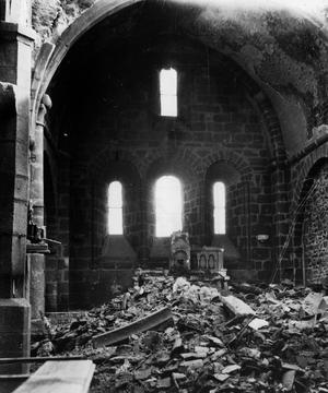 Oradour-sur-Glane: intérieur de l'église où 450 femmes et 207 enfants furent brûlés vifs le 10 juin 1944.