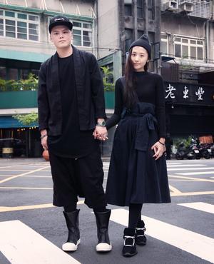 Dans les rues de Taipei, on croise de jeunes couples branchés.