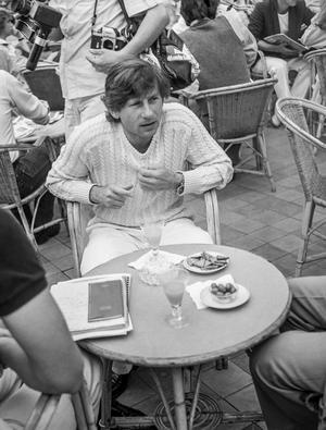 Festival de Cannes, 16 mai 1980: Roman Polanski à la terrasse d'un café.