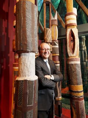 L'ambassadeur d'Australie Stephen Brady, au Musée du quai Branly à Paris.