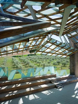 Le Pavillon de musique de Frank Gehry(Intérieur), 2008 © Gehry Partners et Château La Coste 2015. Photograph © Andrew Pattman 2015.