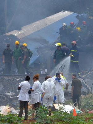 Les pompiers, sur le lieu du crash.