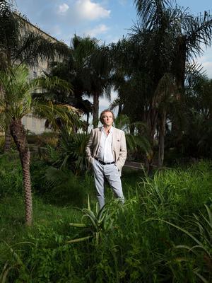 Auteur à succès, Didier van Cauwelaert a connu ses premiers chocs culturels à Nice, sa ville natale où il œuvre encore aujourd'hui.
