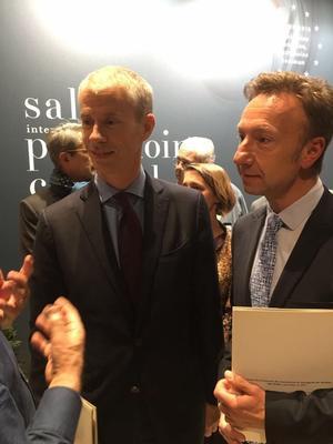 Le ministre de la Culture Franck Riester et Stéphane Bern au Salon du patrimoine jeudi.