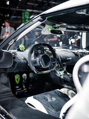Bien qu'étant tournée vers la performance, cette machine ne privera pas son pilote d'un certain confort.