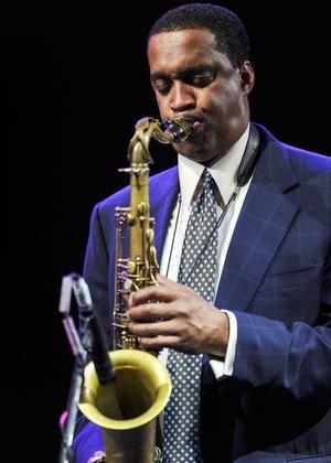 Kenny Garrett joue au festival international de Jazz en Arabie Saoudite le 22 mars.