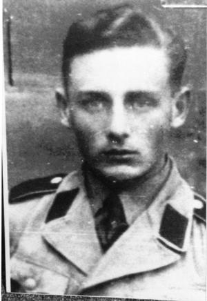 Durant la guerre, Helmut Oberlander appartenait à l'Einsatzgruppe D responsable de la mort de plus de 23.000 personnes.