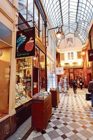 La librairie Le Petit Roi, unparadis insoupçonnable niché au cœur du passage Jouffroy (IXe).