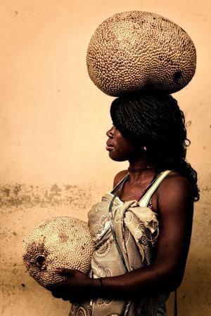 L'izaquente, un fruit géant de l'île qui peut peser jusqu'à 15 kilos.