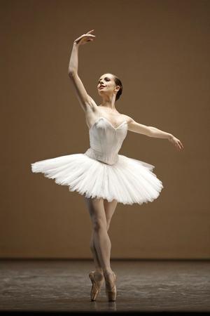 Éléonore Guérineau a signé son contrat au lendemain du dernier concours de promotion du ballet de l'Opéra de Paris.