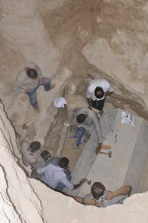 Les sarcophages fermés sont très rares. La plupart ont en effet été pillés