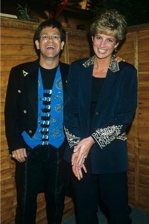 Lady Diana et Elton John à Londres, 1993. Crédits photo: capture Twitter