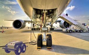 Aircobot contrôle les avions avant le décollage