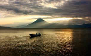 Gravir huit volcans du Guatemala