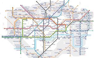 Londres: une carte de métro indique le nombre de pas entre les stations