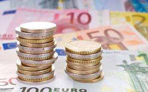 En magasin, les Français paient moins en liquide que la plupart des Européens