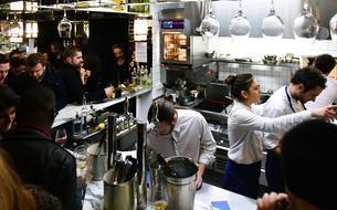 À Paris, tous au comptoir