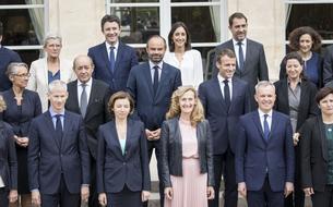 Sondage: méconnus, les ministres ne servent pas de boucliers au président Macron