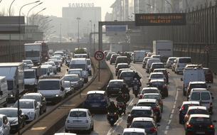 Sept salariés sur dix se rendent au travail en voiture