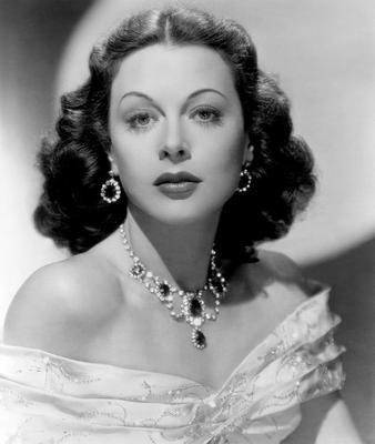 Hedy Lamarr, l'étoile d'Hollywood qui inventa les bases du Wi-Fi