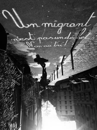 Message contre la loi asile-immigration.