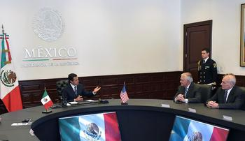 Le président mexicain Enrique Pena Nieto a finalement reçu Rex Tillerson et John Kelly, jeudi au palais de Los Pinos.