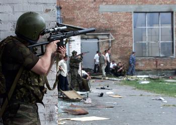 L'assaut, le 3 septembre 2004.