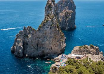 Le restaurant Da Luigi ai Faraglioni à Capri (Corse).