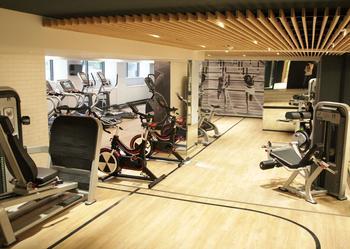 La salle de sport du Washington Plaza, dans le 8e arrondissement de Paris.